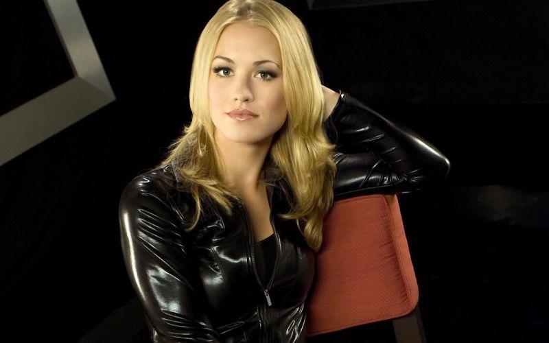 Yvonne strahovski black leather jacket wallpaper