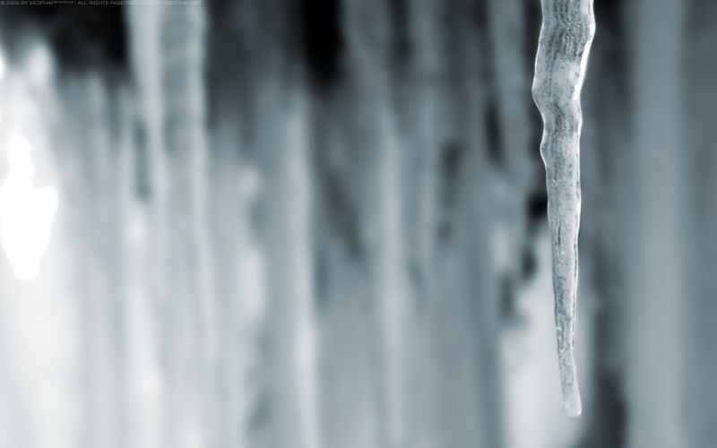 Lonely icecle wallpaper