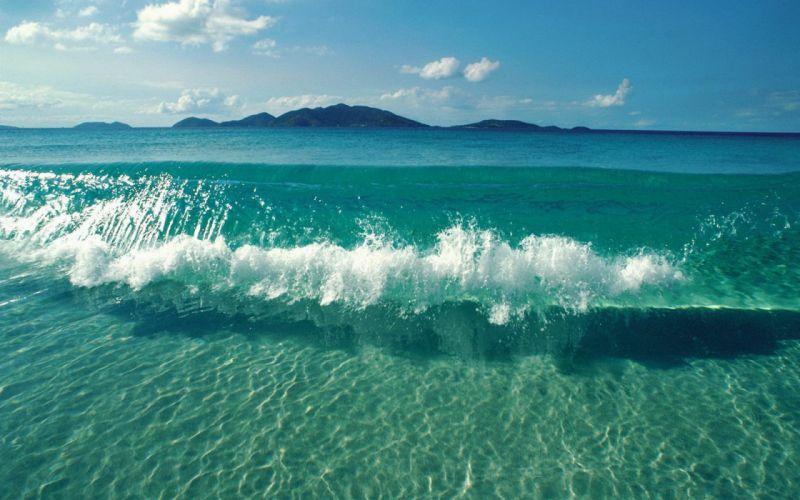 Waves clashing wallpaper