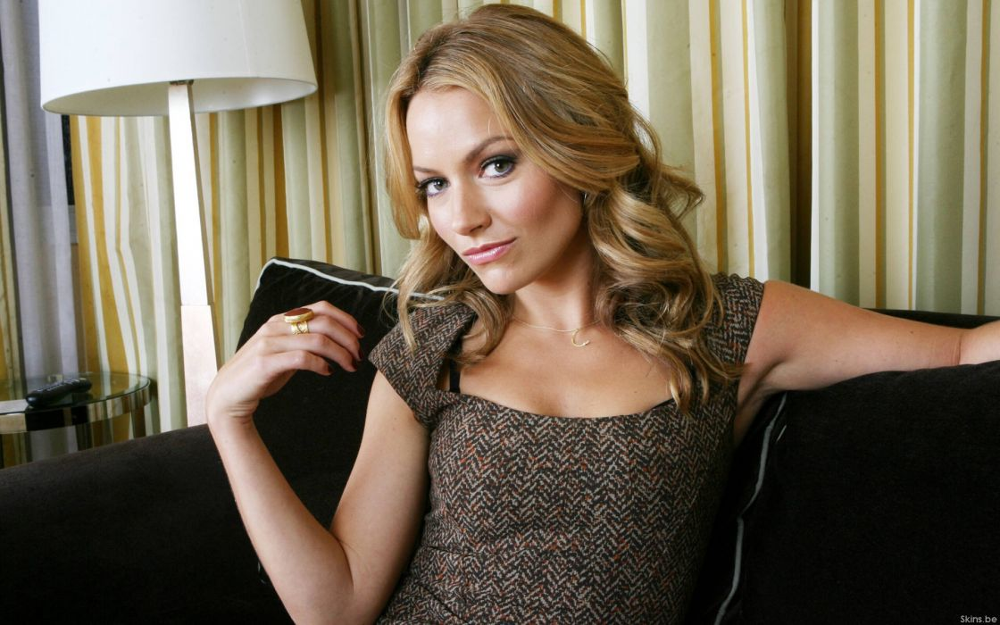 Becki Newton-2 wallpaper