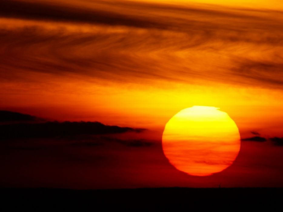 Setting big red sun wallpaper