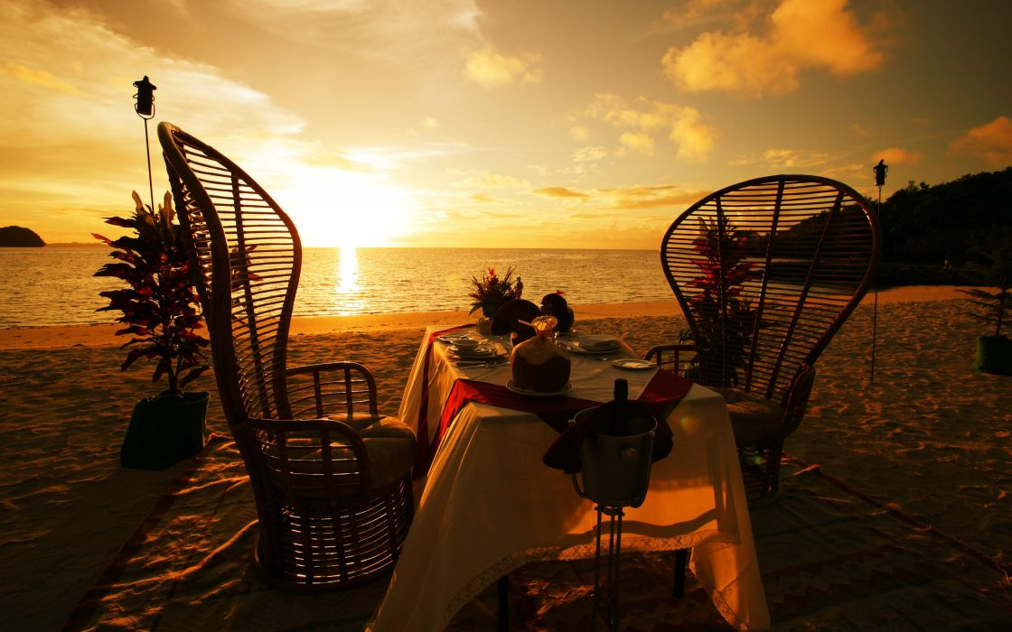 Dinner on the beach wallpaper