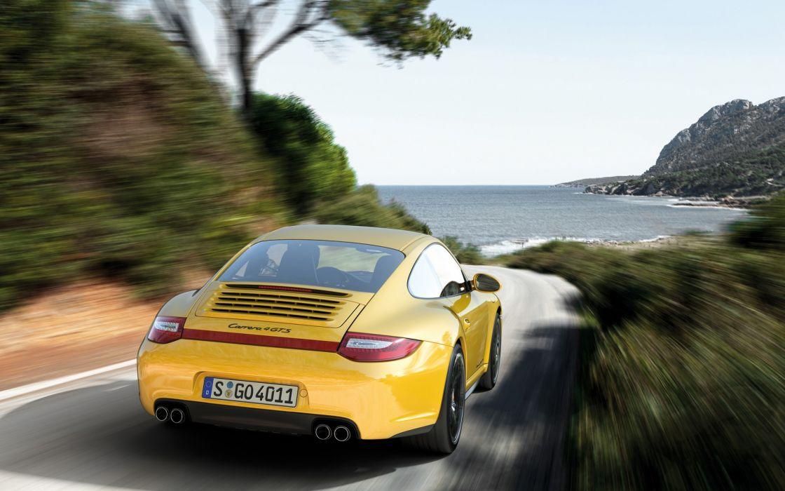 Porsche 911 carrera 4 gts coupe wallpaper