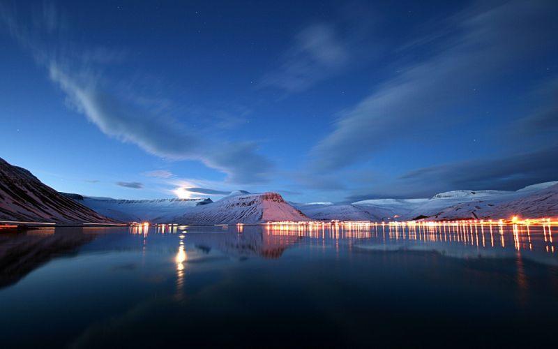Lake lights reflection wallpaper