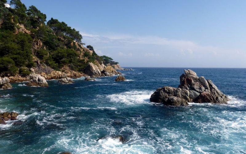 Stone sea view wallpaper
