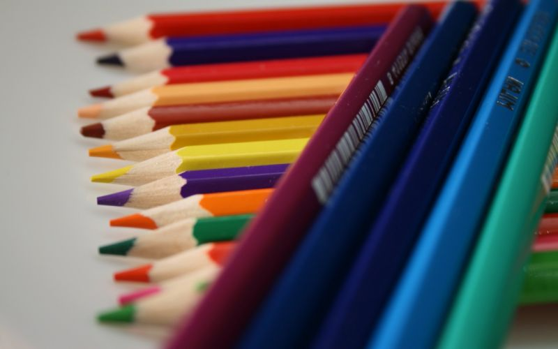 Color pecils wallpaper