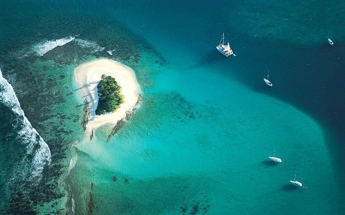 Small island wallpaper