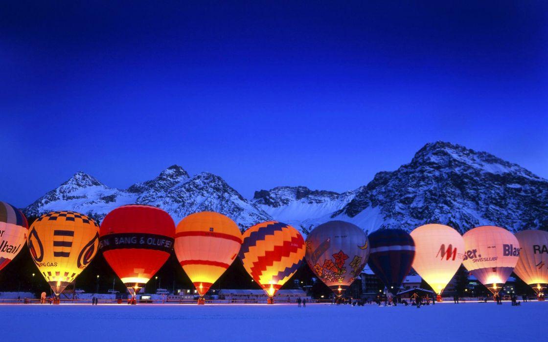Hot air baloon wallpaper