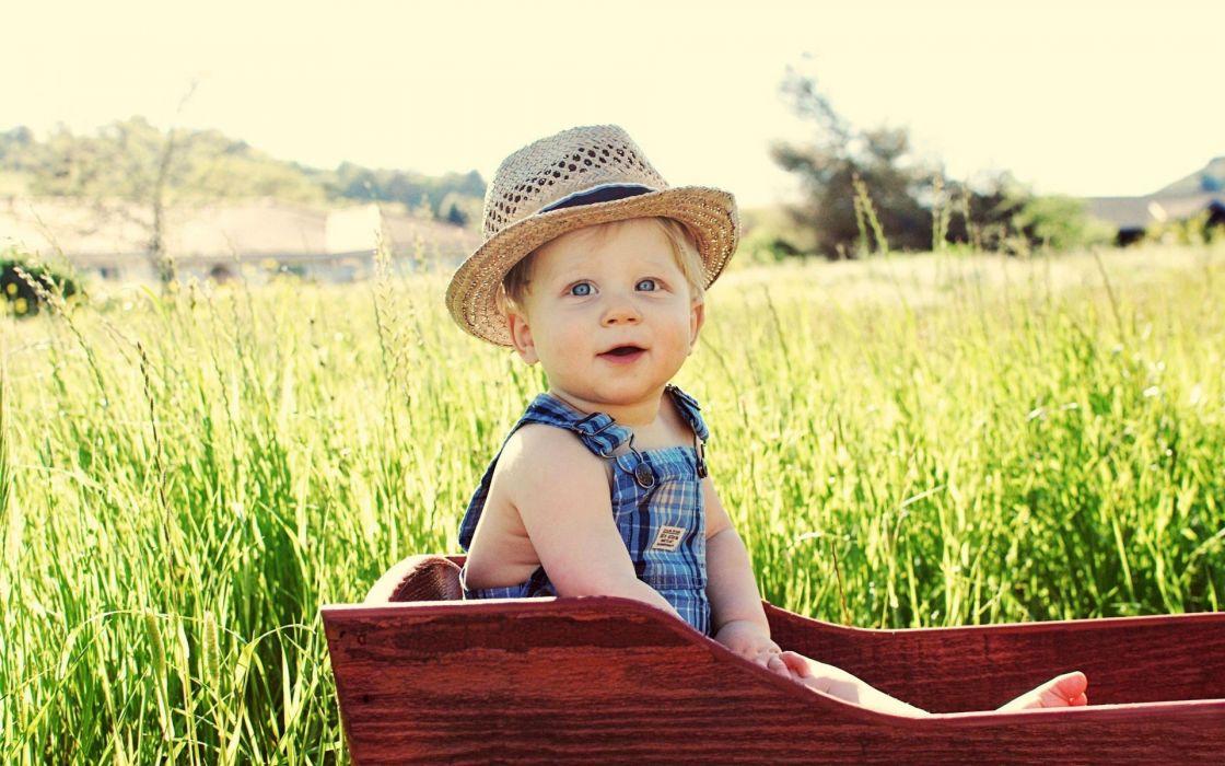 Cut kid in farm wallpaper