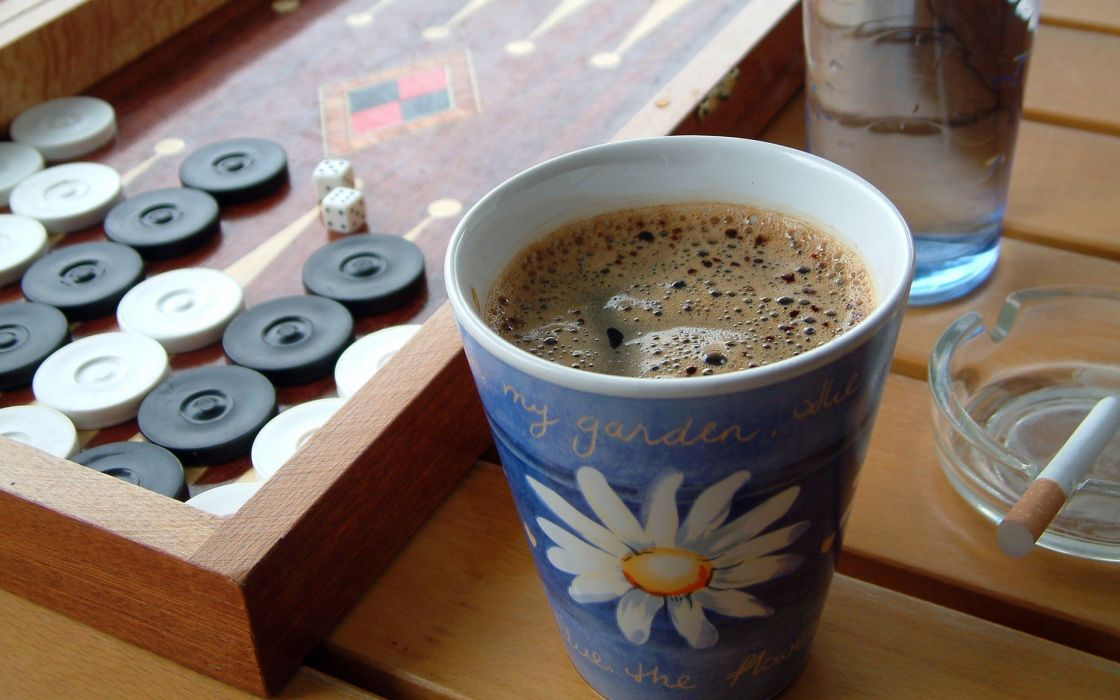 Backgammon and cup of coffee wallpaper