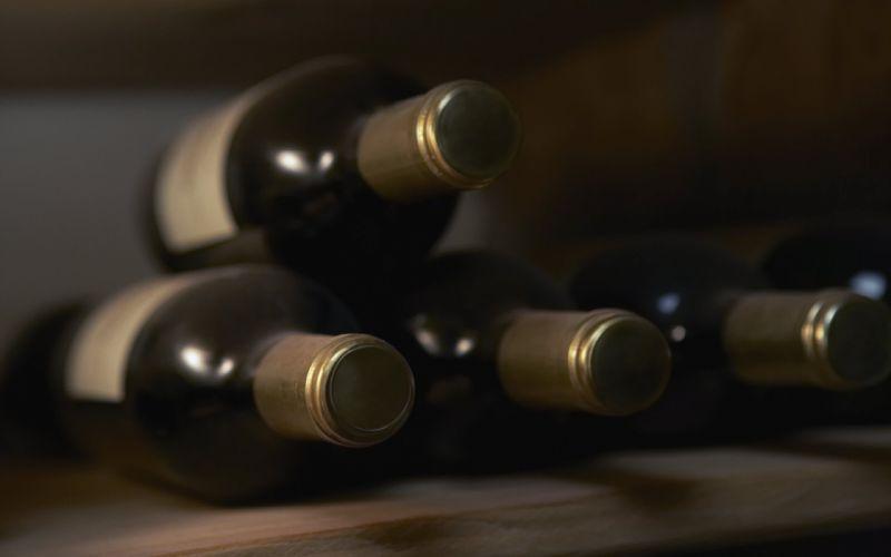 Old wine bottles wallpaper