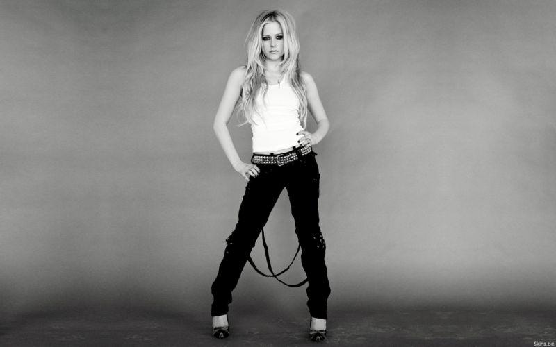 Avril lavigne black white wallpaper