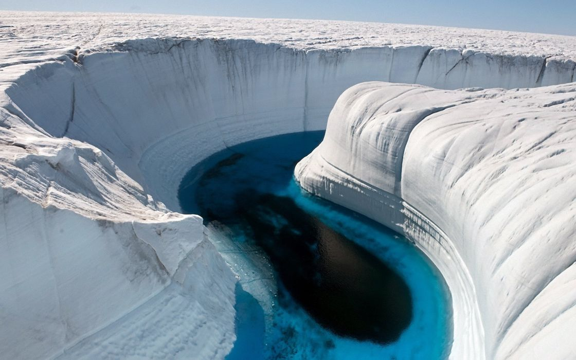 Ice canyon in greenland wallpaper