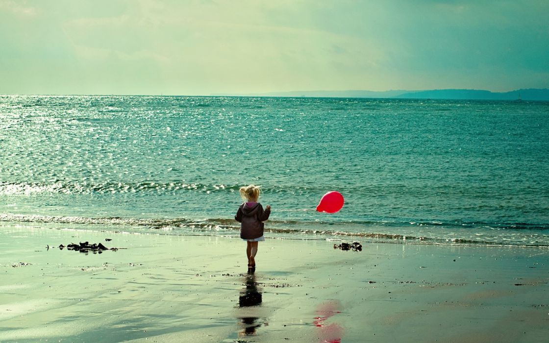 Sunrise beach sand sea photography kids children balloons little girl wallpaper