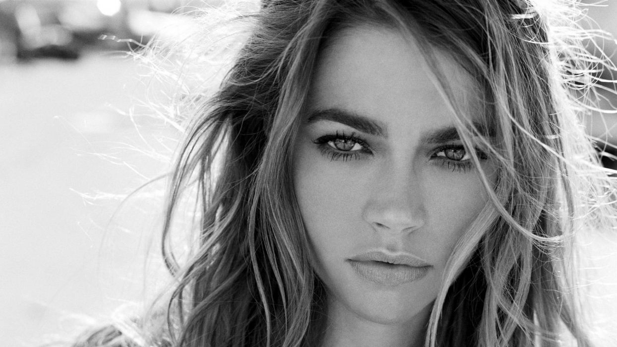 Women close up lips denise richards monochrome faces wallpaper