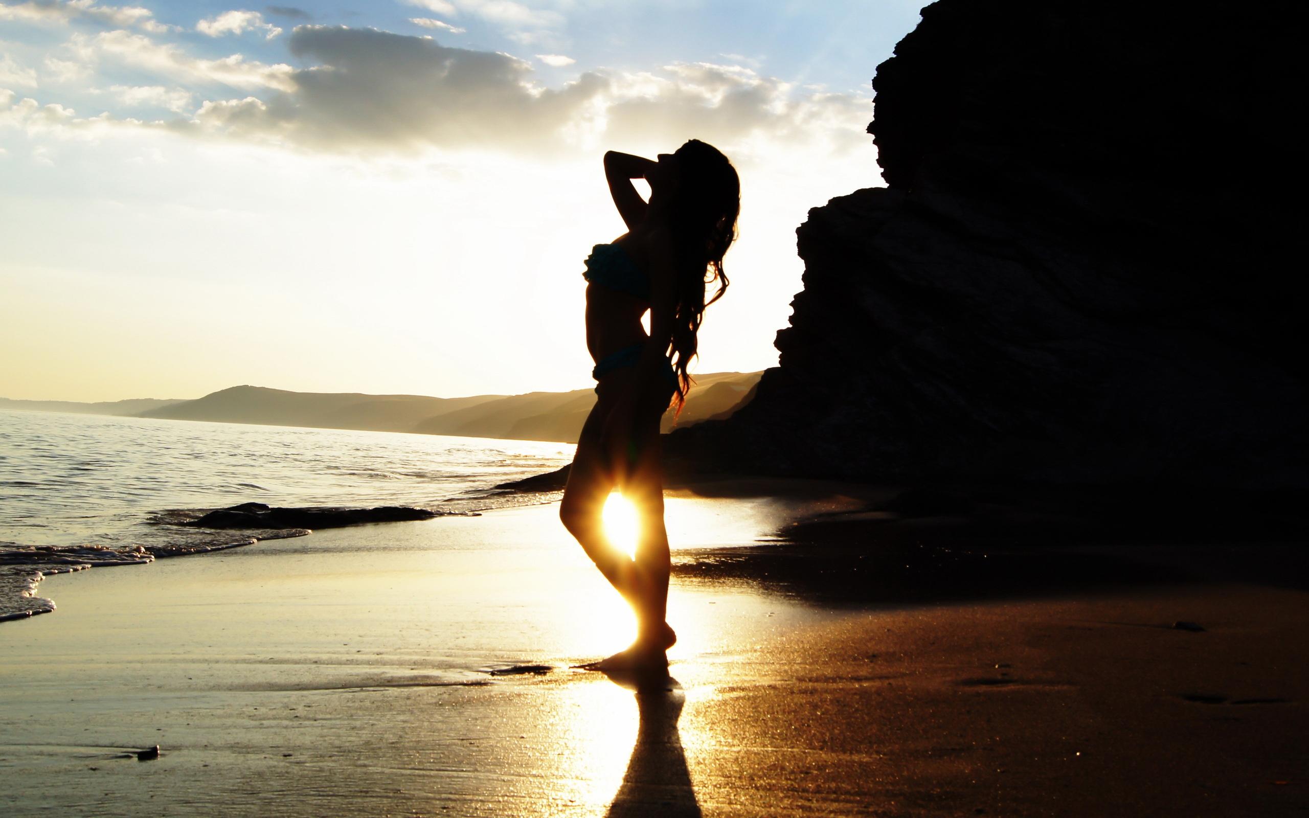 sexy girl at sunset beach wallpaper | 2560x1600 | 7470 | wallpaperup