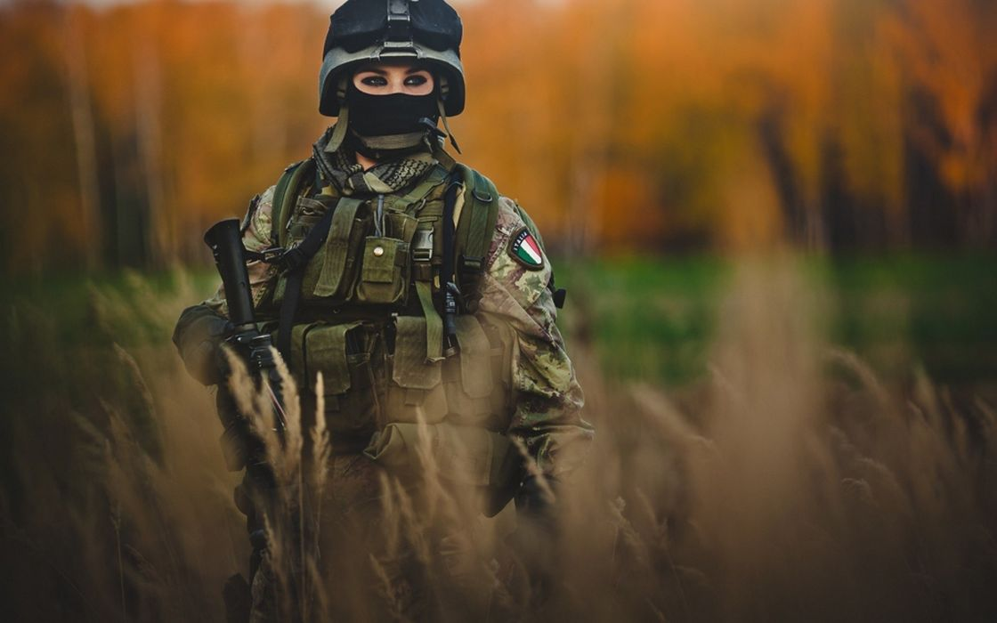 Women soldiers army photography italy girls with guns female warriors meadows wallpaper