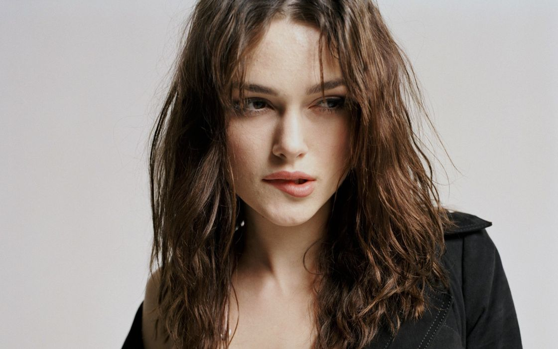 Blondes women actress models keira knightley celebrity biting lips faces wallpaper