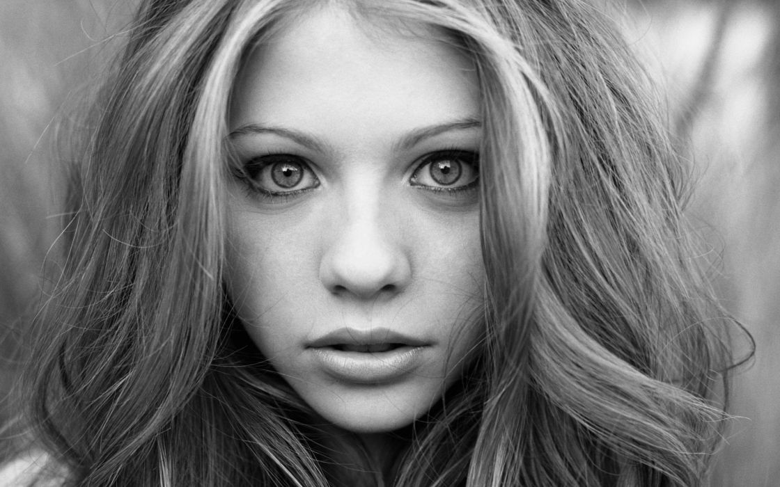 Women close-up michelle trachtenberg monochrome faces wallpaper
