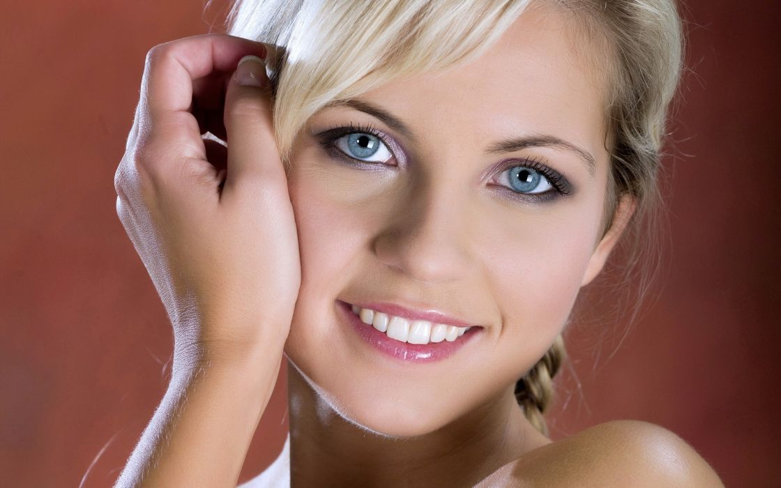 Blondes women jenni gregg smiling faces wallpaper