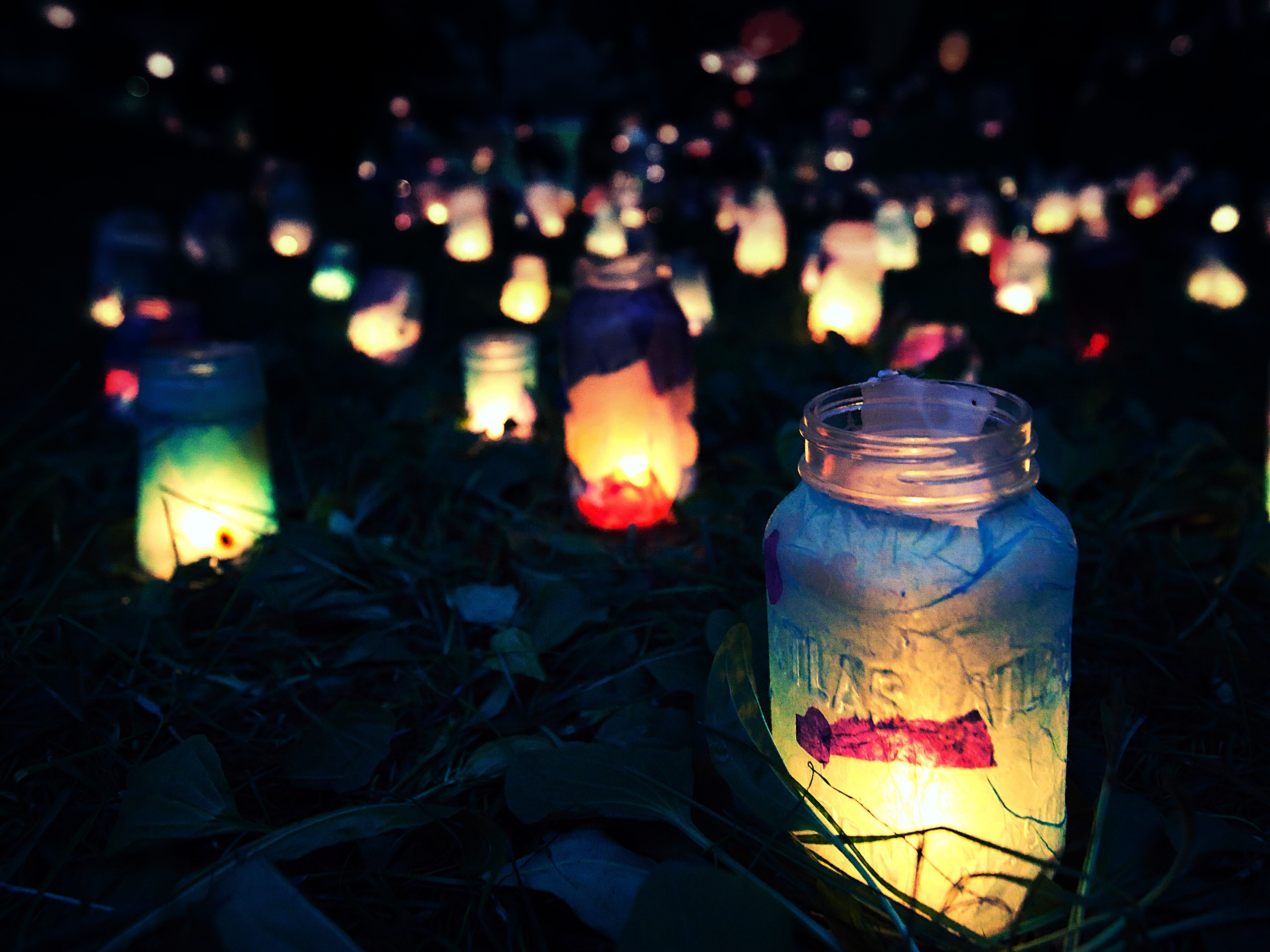 Night lights lanterns wallpaper