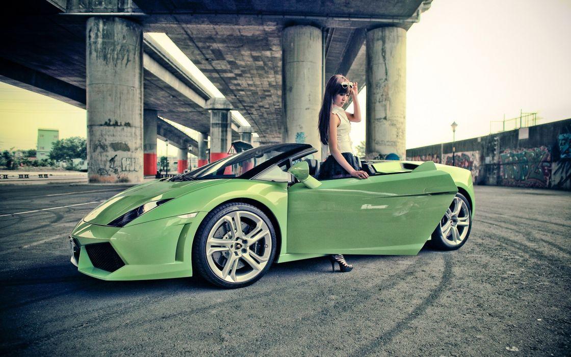 Women models lamborghini sunglasses versus italian supercars girls with cars lamborghini gallardo spyder green cars wallpaper