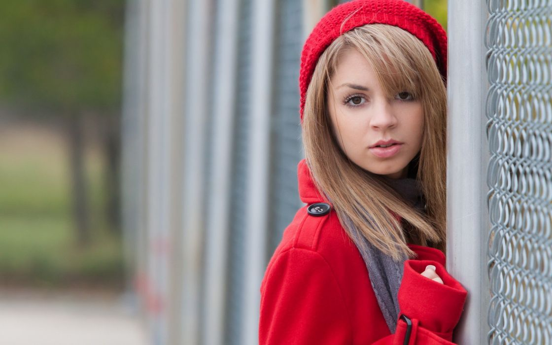 Blondes women models metart magazine outdoors aspen a red hat  chain link fence aspen parker wallpaper
