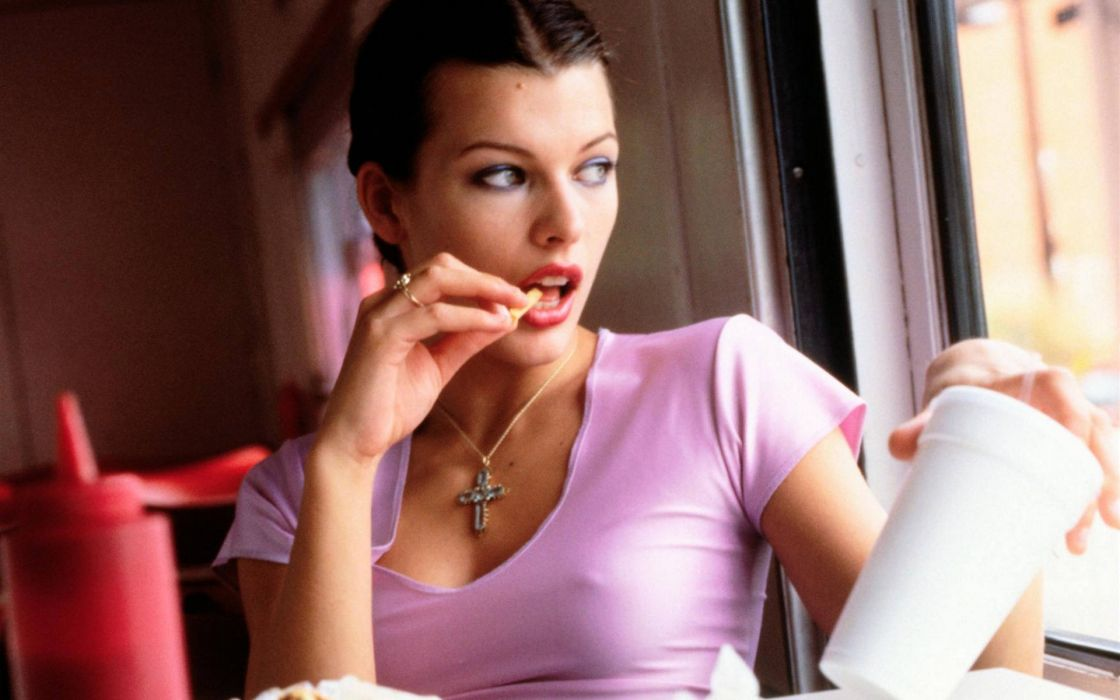 Women ketchup actress cups lipstick milla jovovich nipples through clothing wallpaper