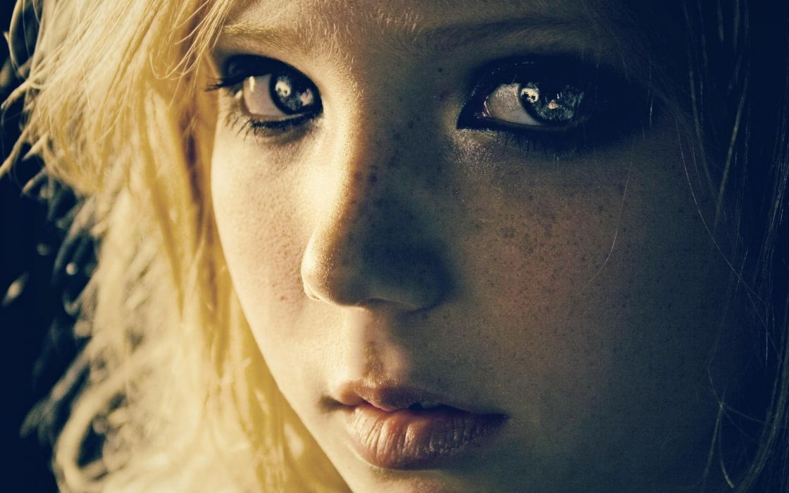 Blondes women eyes lips long hair freckles expressionism faces wallpaper