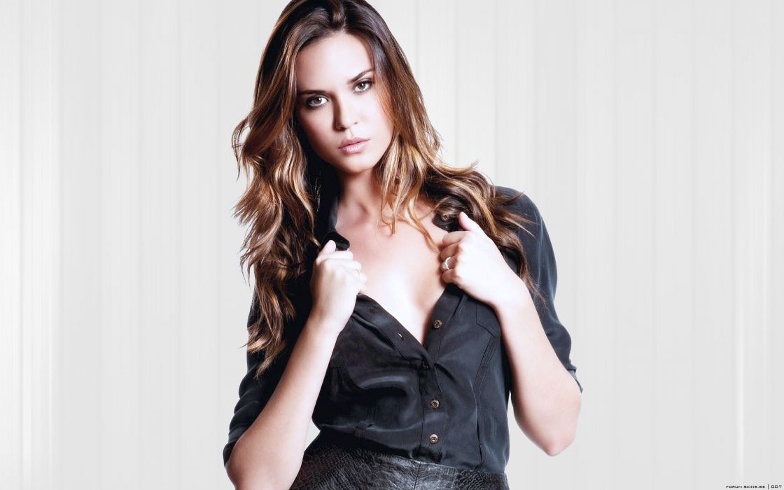 Women odette annable wallpaper
