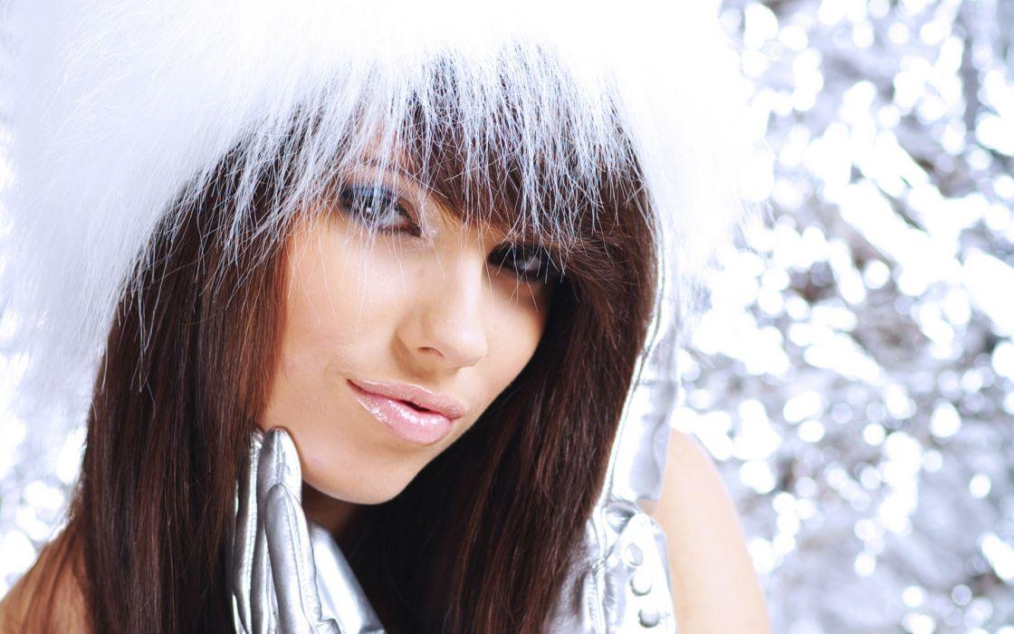 Brunettes women gloves lips silver christmas glow wallpaper