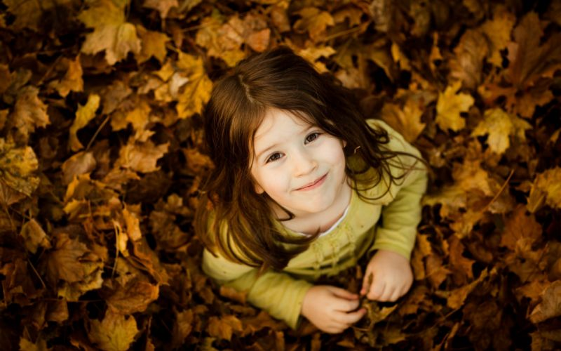 Autumn kids fallen leaves wallpaper