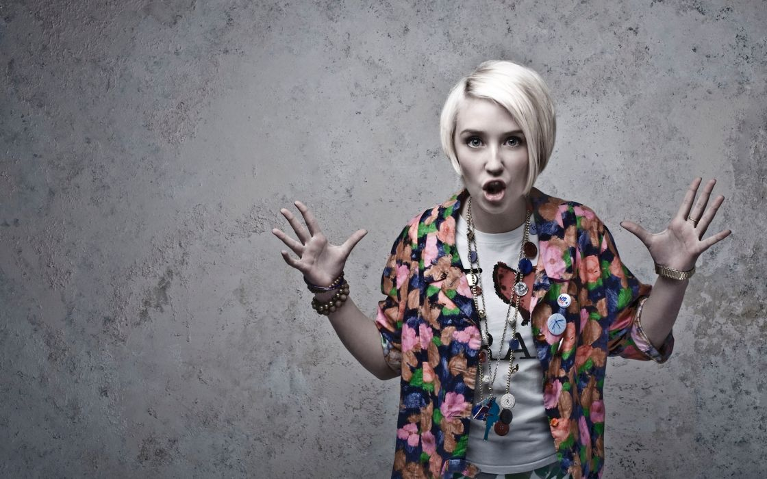 Skins (tv) naomi campbell lily loveless faces wallpaper