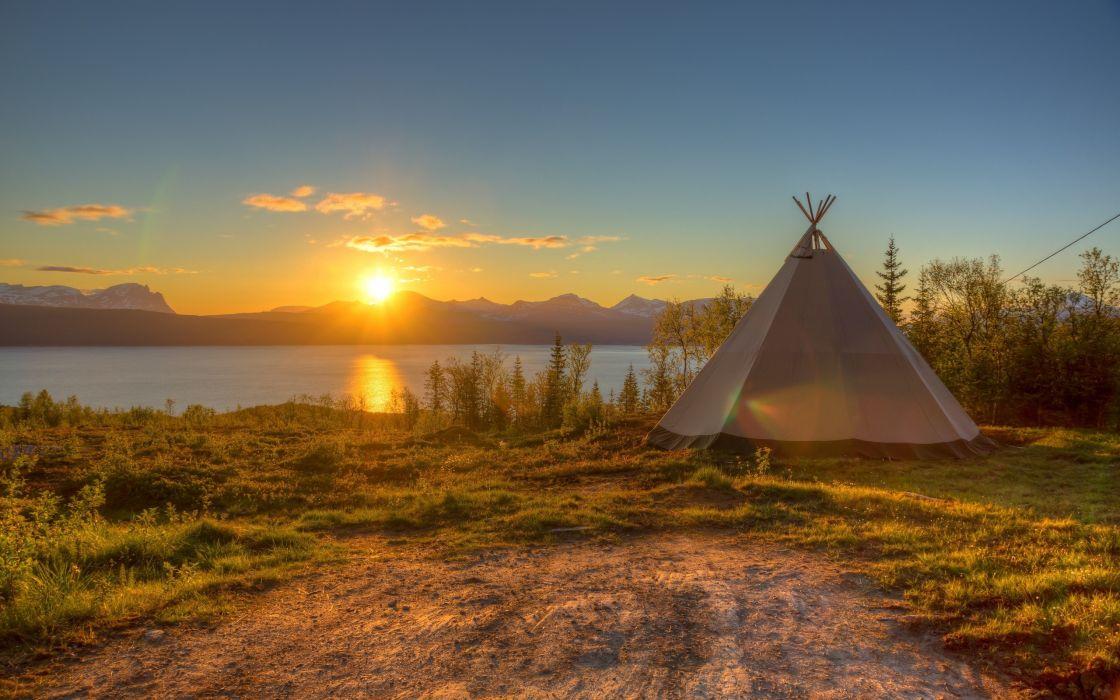 Landscapes sunlight tents wallpaper