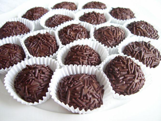 Chocolate food cupcakes cooking sprinkles truffles wallpaper