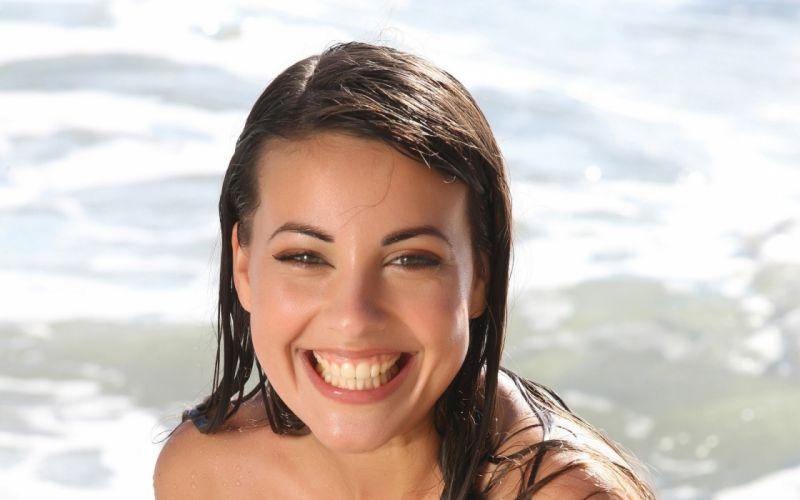 Brunettes women wet green eyes smiling lorena garcia faces wallpaper