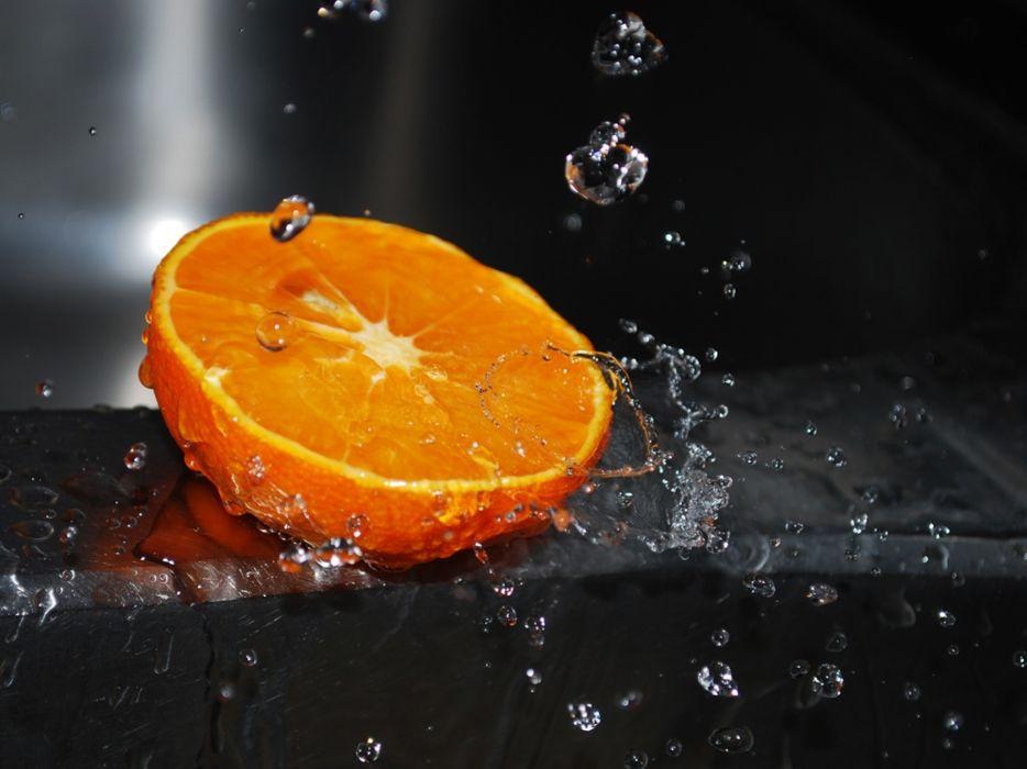 Fruits oranges water drops macro selective coloring wallpaper
