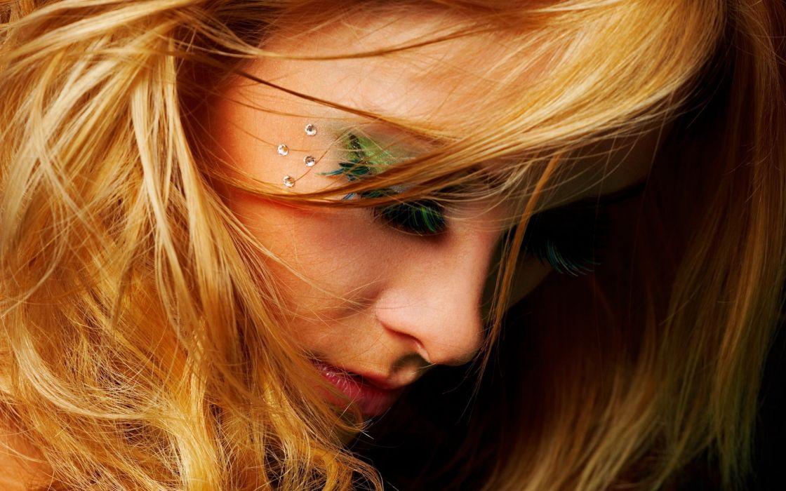 Blondes women faces eyeshadow wallpaper