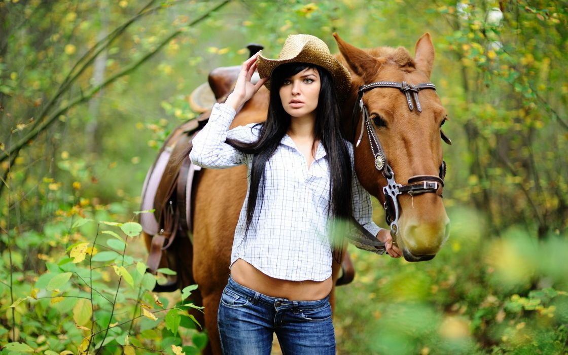Women horses wallpaper
