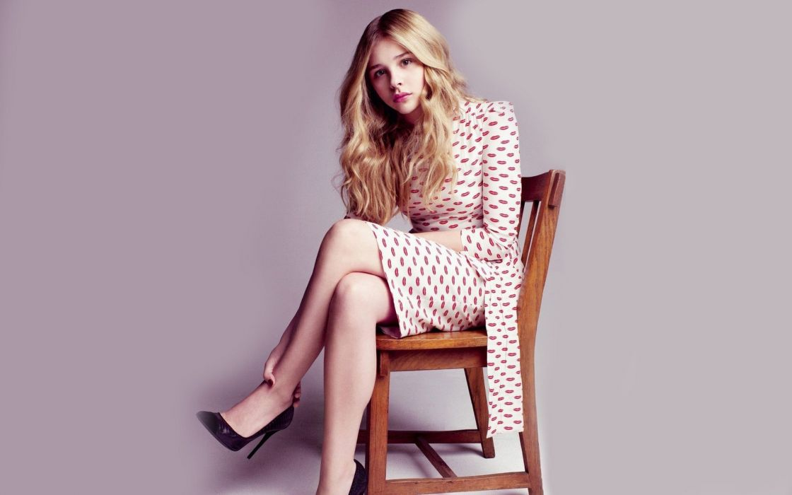 Blondes women dress vintage models celebrity chairs artwork chloA wallpaper