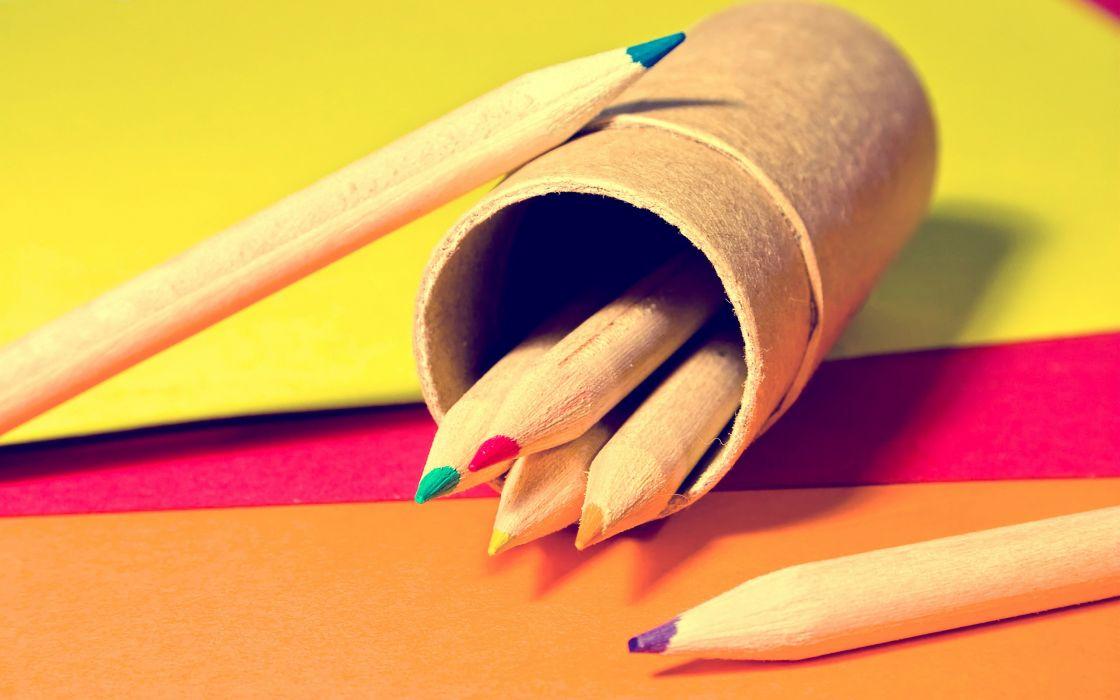 Crayons macro pencils wallpaper