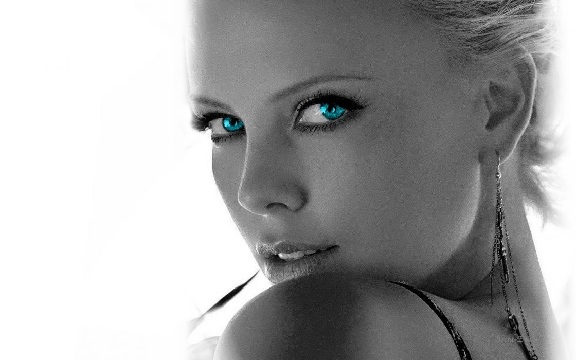 Blondes women blue eyes actress charlize theron celebrity selective coloring wallpaper