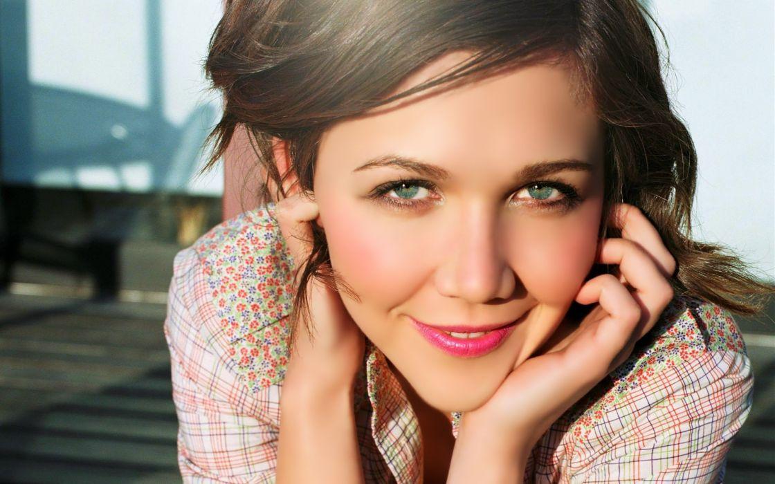 Brunettes women actress celebrity maggie gyllenhaal wallpaper