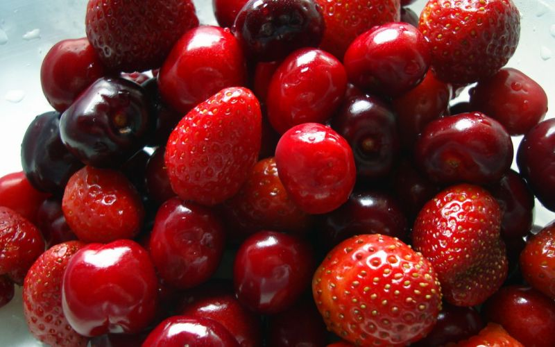 Fruits cherries strawberries wallpaper