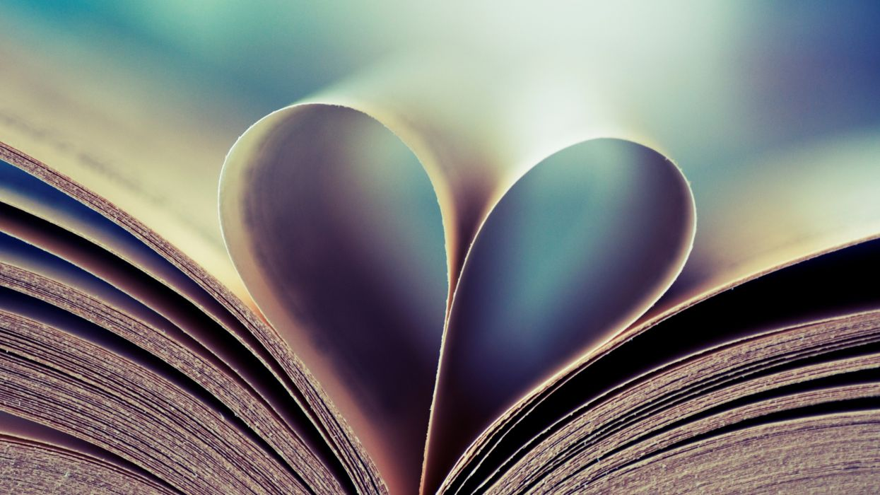 Love books hearts wallpaper