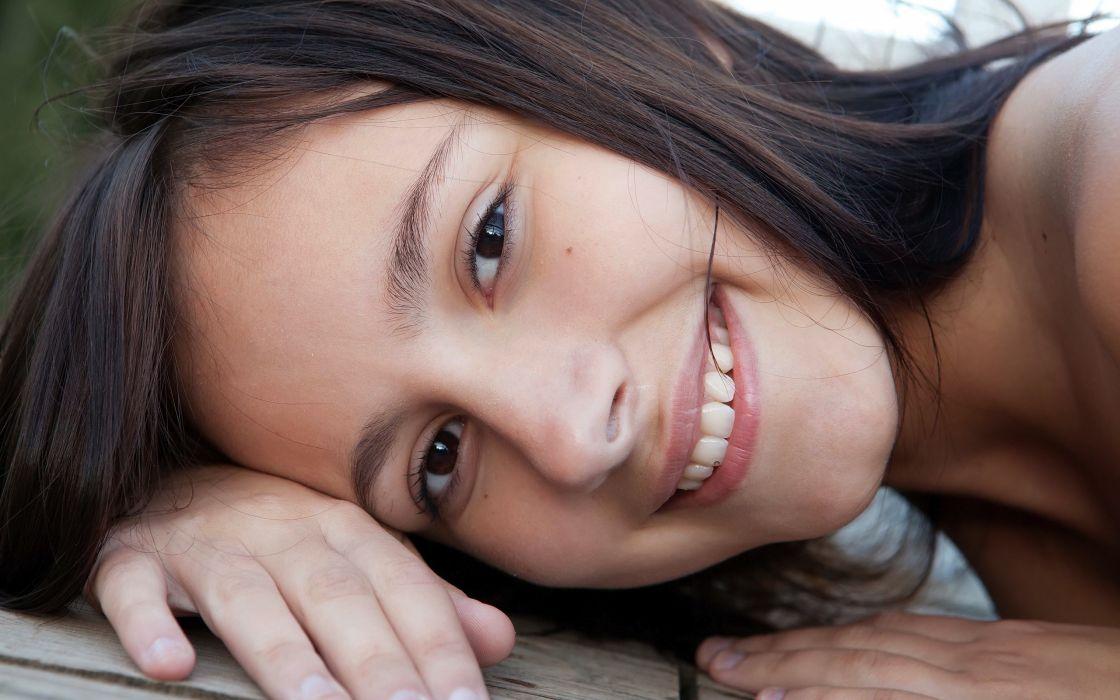 Up models outdoors brown eyes femjoy magazine smiling rosalin e wallpaper