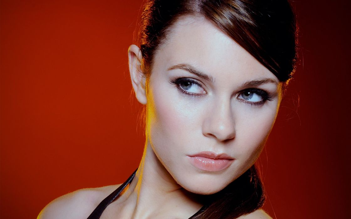 Women alison carroll faces red background wallpaper