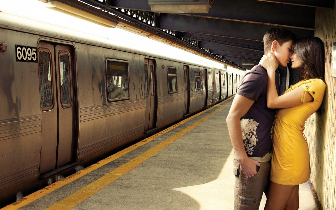 Kissing train stations prenup pictorial inlove wallpaper