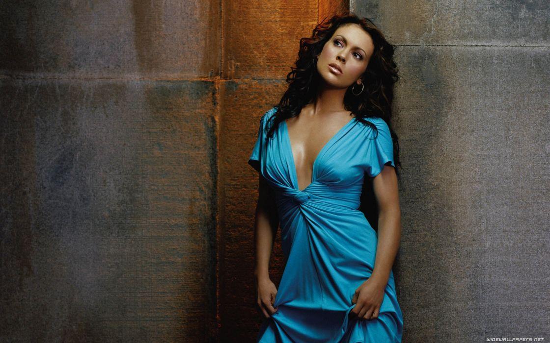 Brunettes women blue actress models alyssa milano turquoise wallpaper