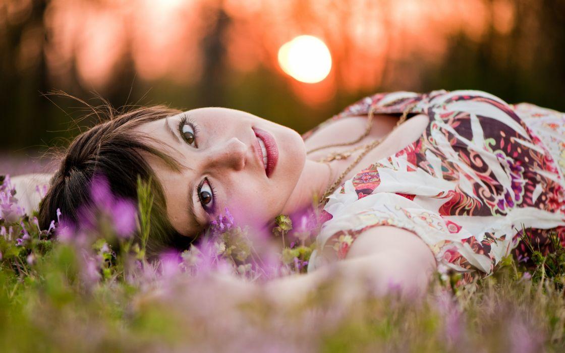 Women sun grass lying down faces wallpaper